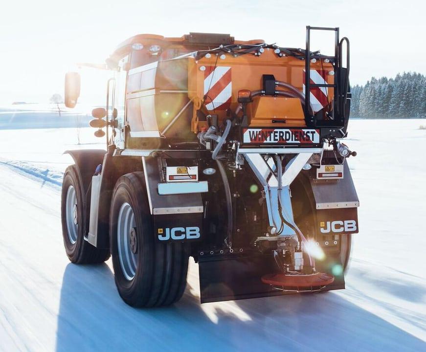 Fastrac Kommunal Plattformaufbau für Salzstreuung im Winter